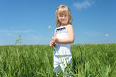 Little girl outdoors — Foto Stock