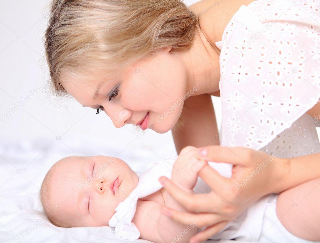 Новорожденный не днем из-за животика