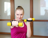 Jeune femme, faire du sport — Photo