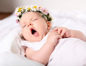 Portrait of a yawning baby girl — 图库照片