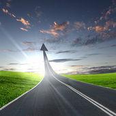 шоссе дорога идет вверх — Стоковое фото