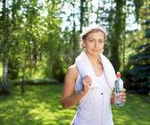アクティブな美しい白人女性のショット — ストック写真