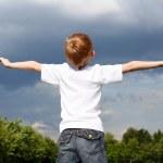 Litlle boy outdoors — Stock Photo #6160230