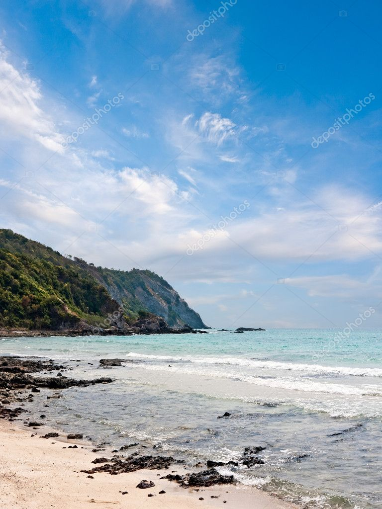 Seascape with Gulf of Thailand. Island Koh Lan — Stock Photo #6273053