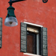 Window of Old Venice house and street lantern,Italy — Stock Photo