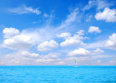 Yacht in sea — Stockfoto