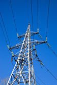High voltage electricity pylon — Foto de Stock