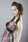 Портрет симпатичной молодой девушки — Stock Photo