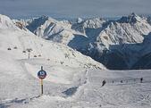 Na svazích lyžařského střediska solden. rakousko — Stock fotografie