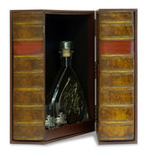 Jewelry box for storing high-end cognac — Stock Photo