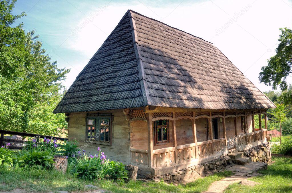 Oude houten huis stockfoto artfotoss 5842861 - Meer mooie houten huizen ...