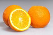 Tři zralé pomeranče — Stock fotografie
