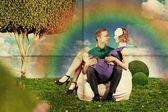Love on a park bench — Stock Photo