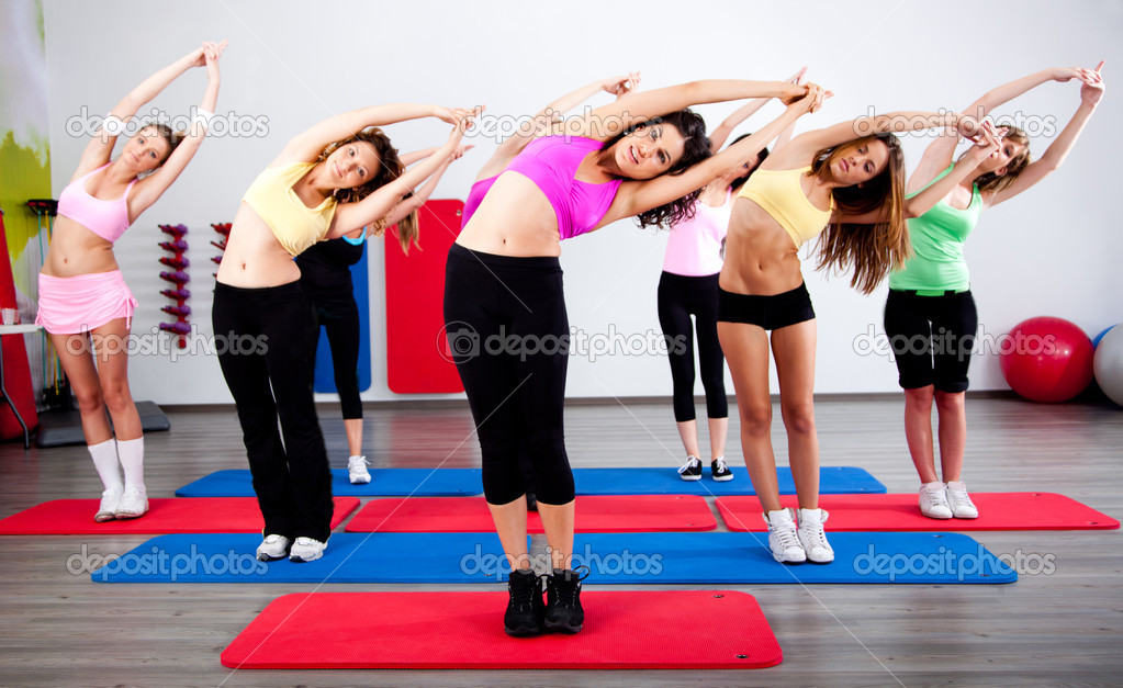 Group of gym in a stretching class. — Stock Photo #6651181