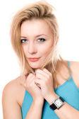 Closeup retrato de la joven y guapa rubia — Foto de Stock
