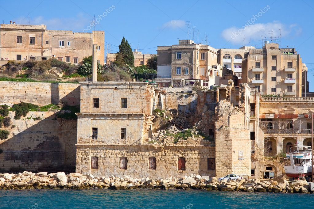 View of Kalkara from Grand Harbour. Malta — Stock Photo #5431412