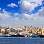 Yachts against Manoel island — Stock Photo