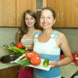 Family in the kitchen — Stock Photo #5717774