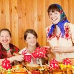 Women drinks tea — Stock Photo