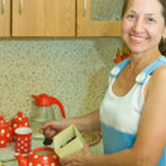 Elderly woman making tea — Stock Photo #6053967