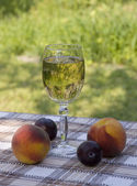 Fruites and wine — Stock Photo