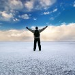 luce solare uomo e inverno — Foto Stock