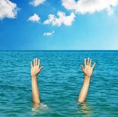 Ruce z vody — Stock fotografie