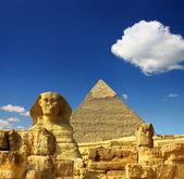 埃及 cheops 金字塔和狮身人面像 — 图库照片