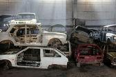 Auto's wordt geretourneerd voor recycling als schroot — Stockfoto