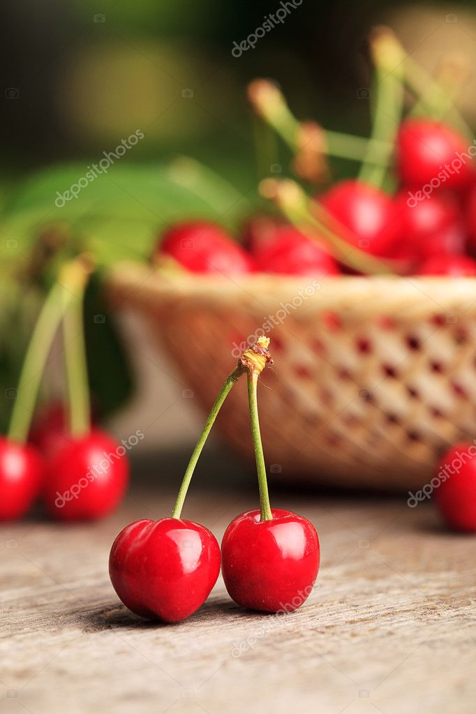 Sweet cherries in basket outdoor — Stock Photo #6055091