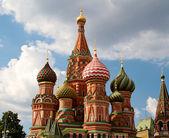 Die Kathedrale des heiligen Basilius der Selige oder einfach Pokrowskij ca — Stockfoto