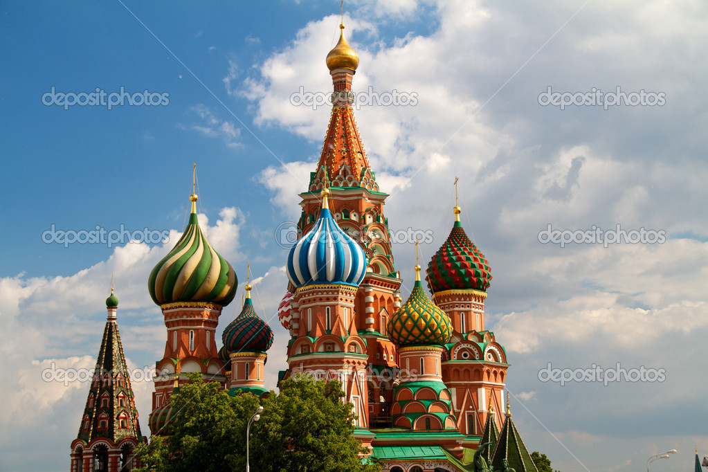 The Cathedral of Saint Basil the Blessed or simply Pokrovskiy Cathedral is a multi-tented church on the Red Square in Moscow. It is an international symbol for  — Stock Photo #6331216