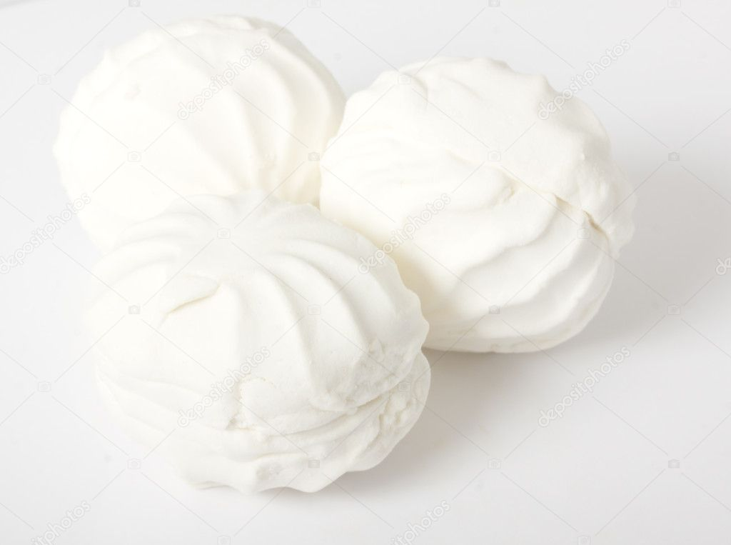 Isolated marshmallow cakes — Stock Photo #6331244