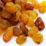 Raisins isolated on a white background — Stock Photo