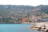 Alanyas' mediterranean coastline and Ottoman castle (Turkey) — Stock Photo