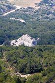 高山や岩ギリシャのロードス島 — ストック写真