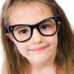 Хорошенькая молодая девушка в очках — Стоковое фото #5826848