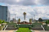город архитектуры и tauer байтерек — Стоковое фото