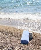 красивый приморский и синий полотенце. — Стоковое фото