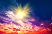 Amazing sun in the wonderful sky. — Stock Photo