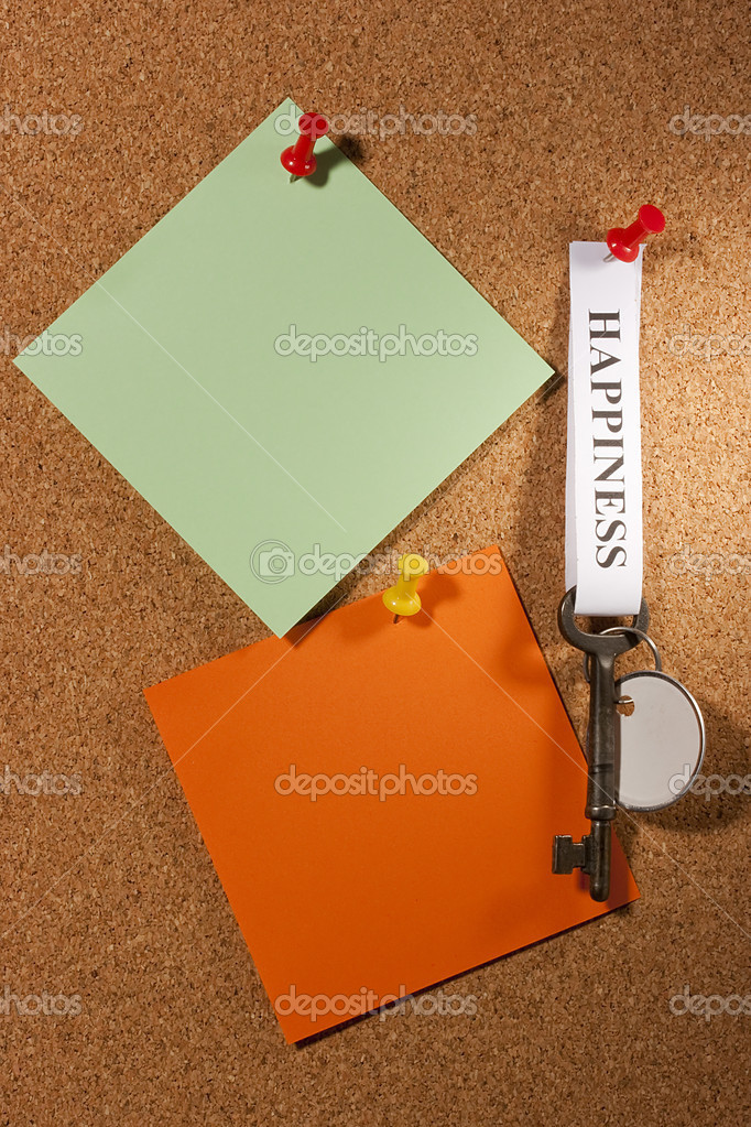 Key with a happiness tag pinned on a brown board. Add your text to the background. — Stock Photo #5665944
