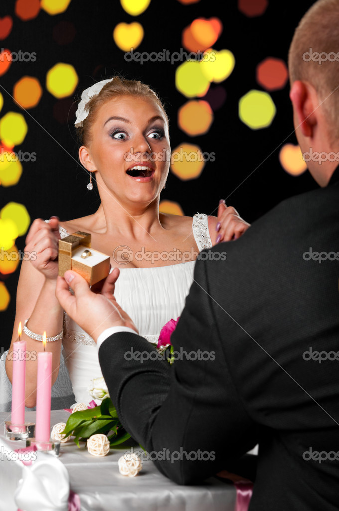 Man is making proposal of marriage at cafe — Stock Photo #5754784
