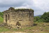 Ruins of church in Bedia valley, Abkhazia — Stock Photo