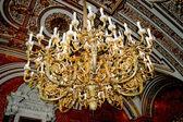 Luxusní lustr v hermitage — Stock fotografie