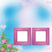 ピンクの蘭の花と緑のシダと写真を木製フレーム — ストック写真