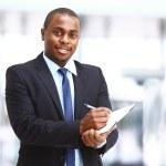 retrato de um negócio bem sucedido bonito homem ocupado trabalhando — Foto Stock