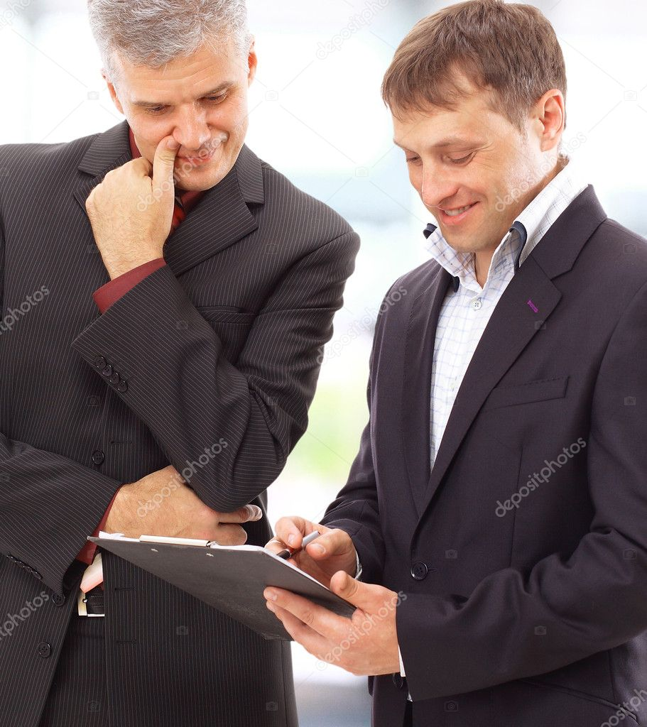 Two businessmen discussing - Isolated studio picture in high resolution.  — Stock Photo #5658288