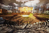 Desolate old mansion — Stock Photo