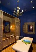 Armário para massagem ayurvédica indiana — Foto Stock