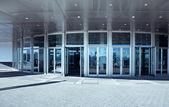 Ingången till ett modernt kontor — Stockfoto